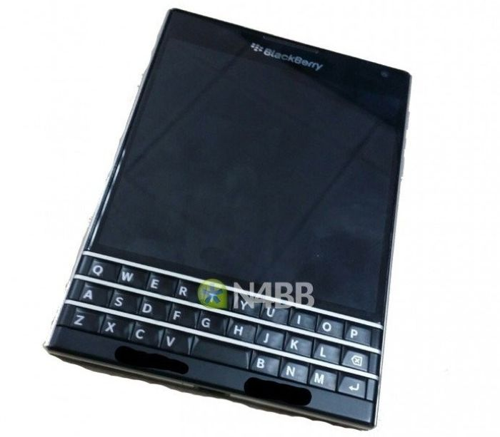 Smartphone BlackBerry Passport confirmado