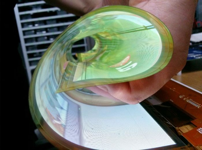 Flexible-Transparent-OLED-Display-3