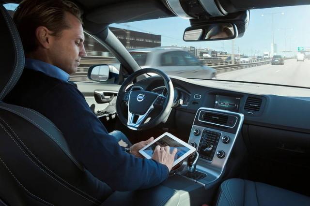 volvo-self-driving-640x426