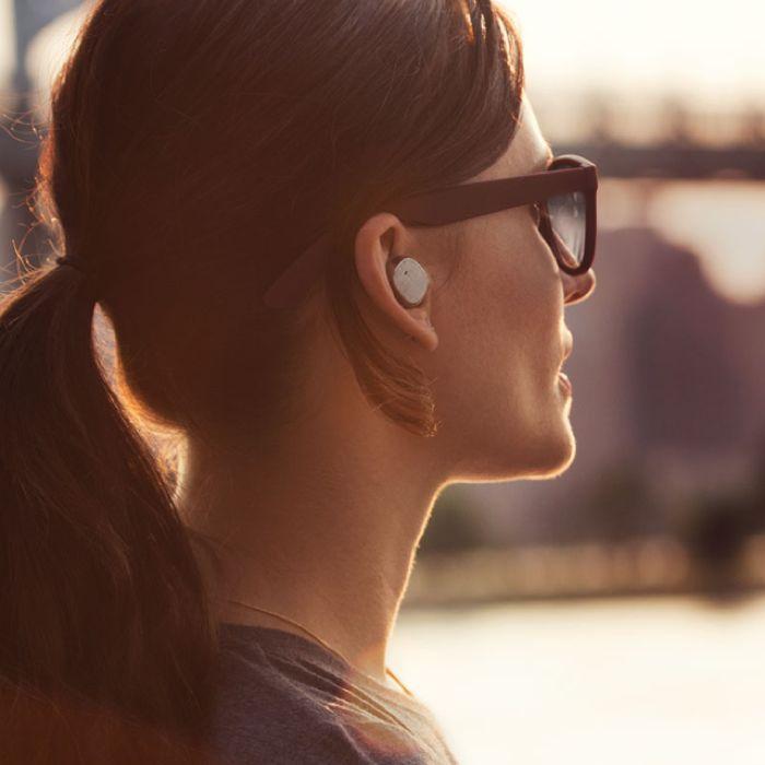 Motorola Moto Hint te permite controlar tu Smartphone